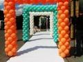 Арки та гірлянди з повітряних кульок